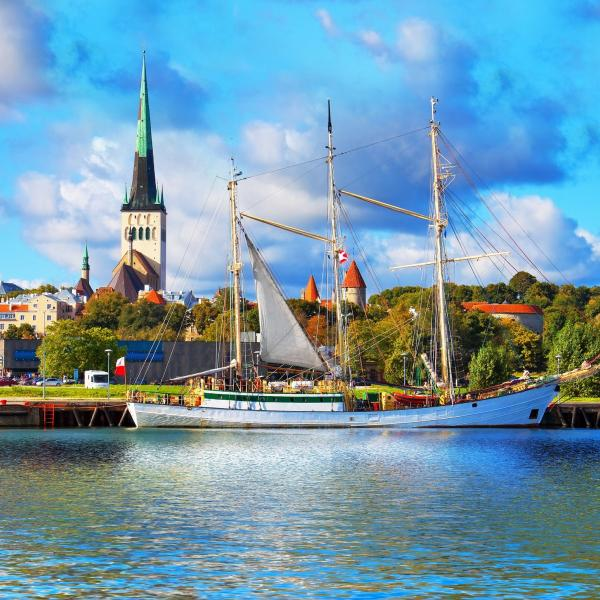 Tallinn, Estonia, bus sightseeing tour, Extrpolitan